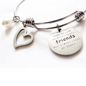 FRIENDS/Friendship Bangle Bracelet Tag Heart Charm